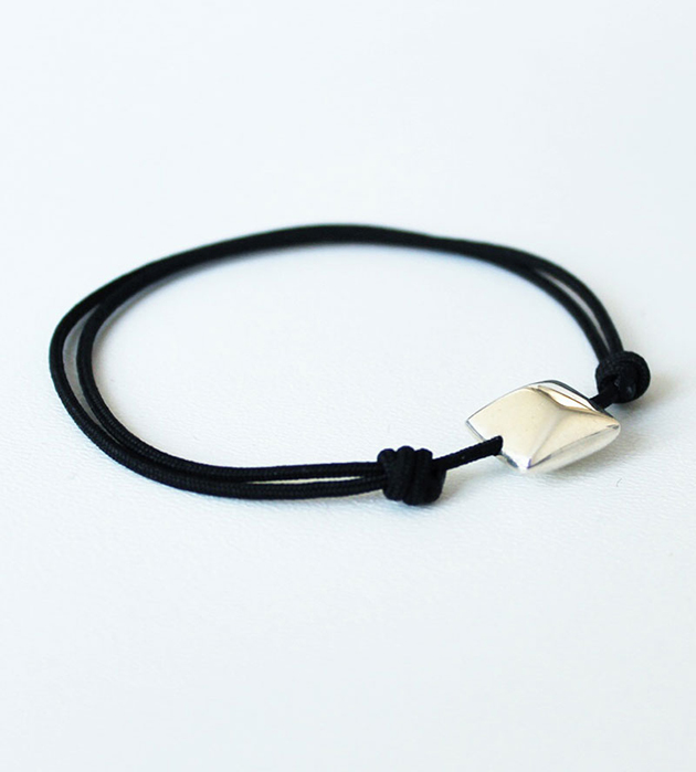 купите минималистичный браслет от Helena Rohner - Silver square bracelet with black string