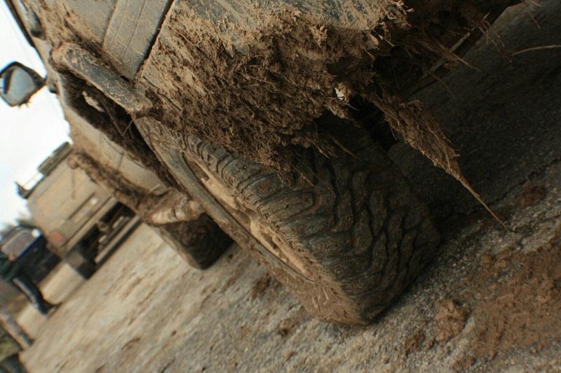 Крузак в грязи
