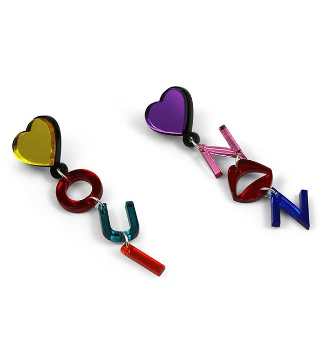 купите разноцветные серьги-слова  Oui Non от Jennifer Loiselle