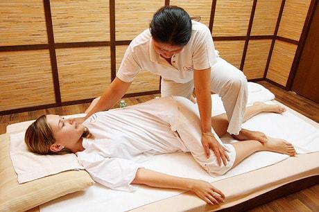 Тайский массаж, техника и польза.