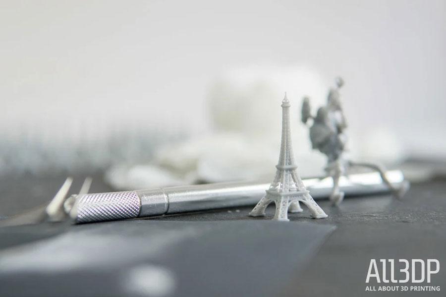 Разве может быть полным обзор SLA-принтера без Эйфелевой башни?