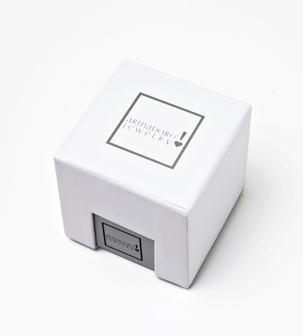 Фирменная-коробка-от-Armadoro.jpg