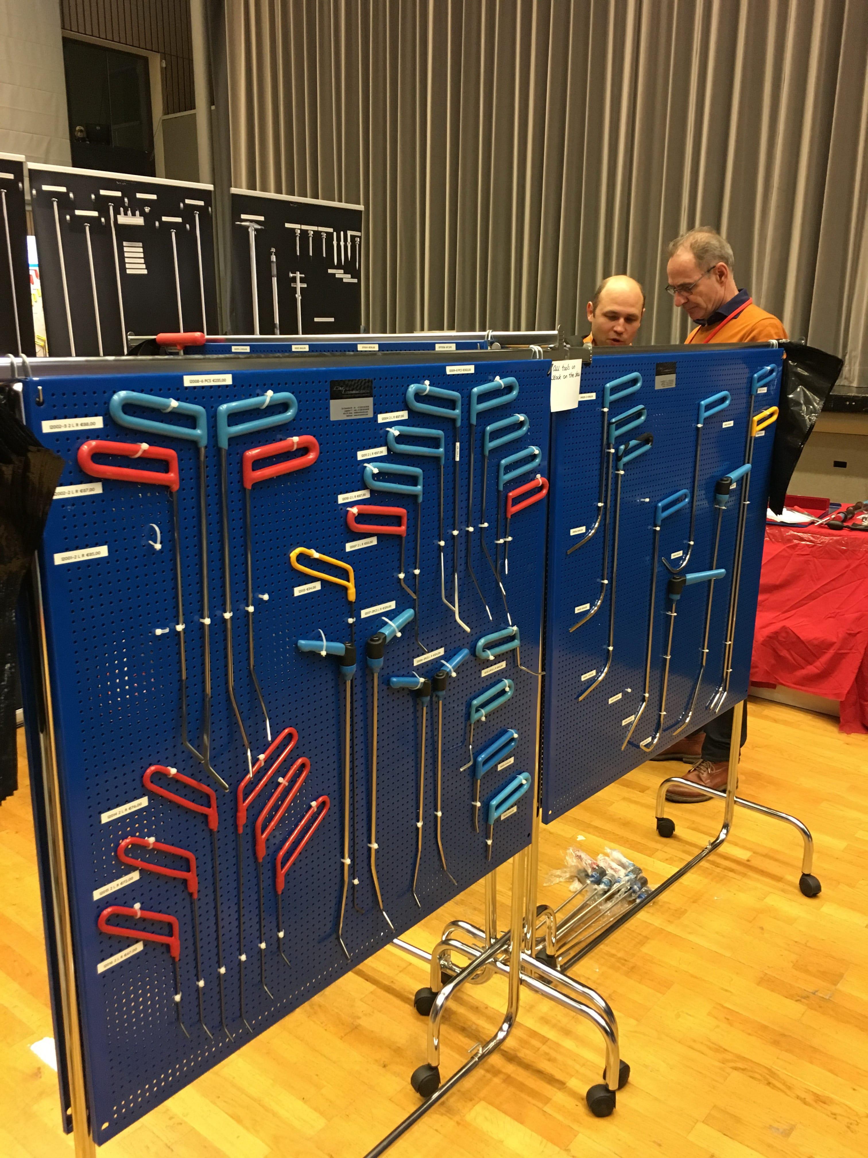 PDR инструмент AV-Tool на выставке