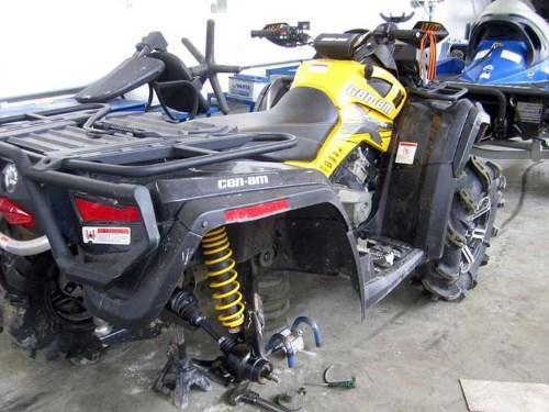 Квадроцикл на ремонте
