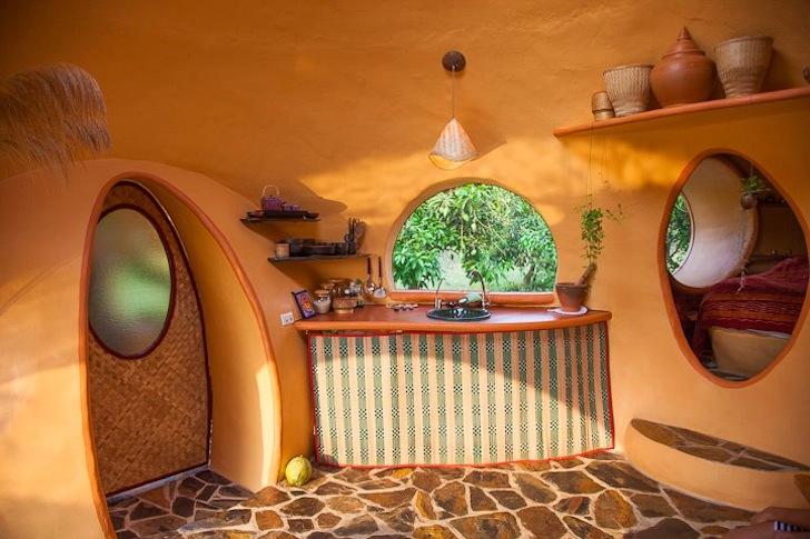 кухня в купольном доме.