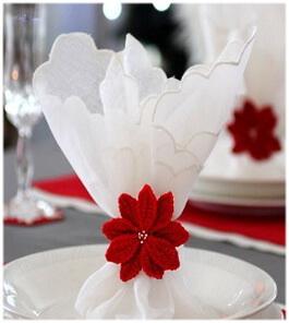 Вязаный декор для праздничного стола