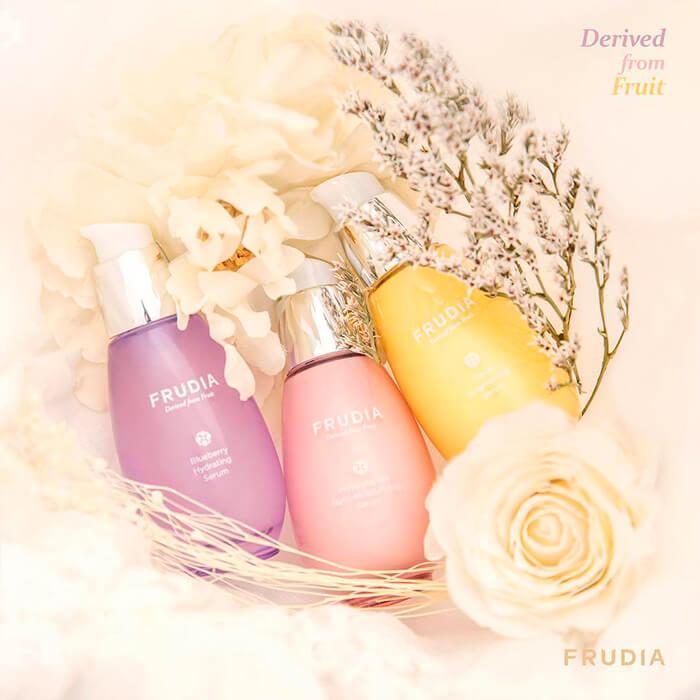 syvorotka-dlya-lica-frudia-citrus-brightening-serum-96633-700x700.jpg