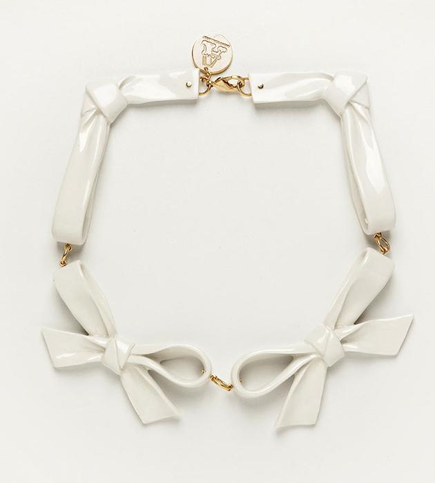 стильное белоснежное колье из фарфора от ANDRES GALLARDO - Bow White