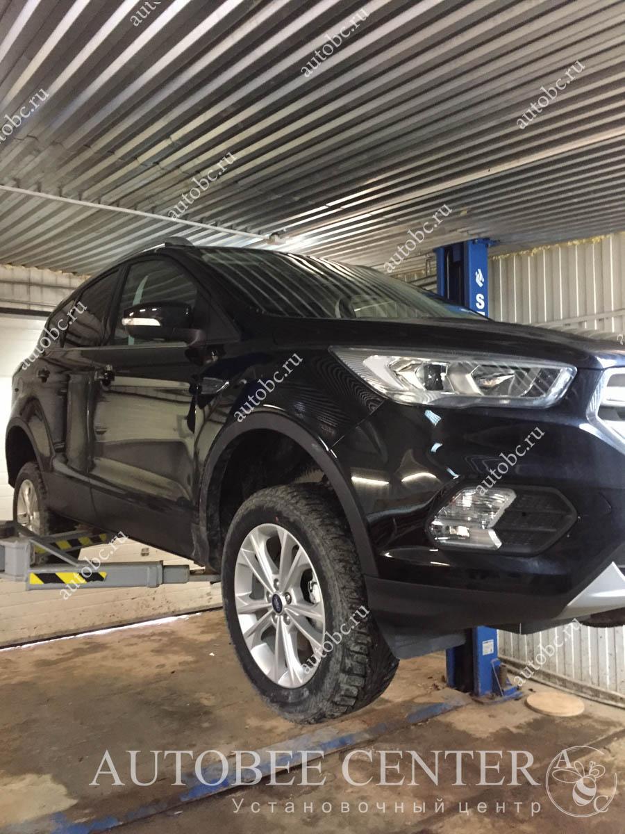 Ford Kuga (шумоизоляция арок)