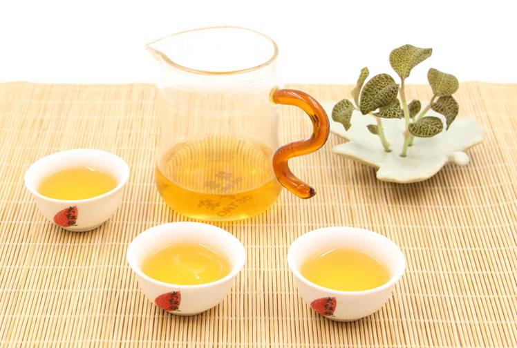 цвет красного чая золотые брови