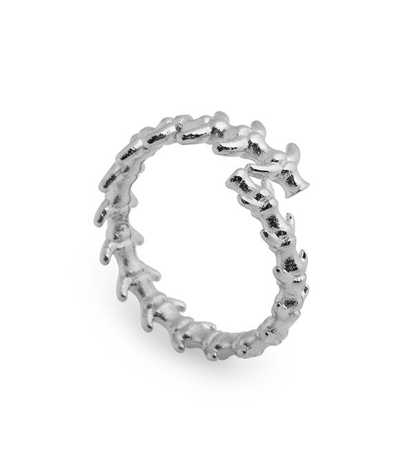 Серебряное-кольцо-Fish-Bone-от-_дизайнера_Wilhelmina-Garcia.jpg