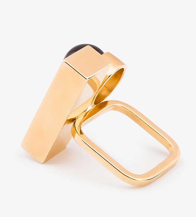 кольцо из позолоченной латуни Rectangular&Pearl oт немецкого бренда  Sabrina Dehoff