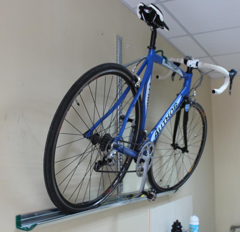 Крепления_для_велосипедов_на_стену_под_наклоном