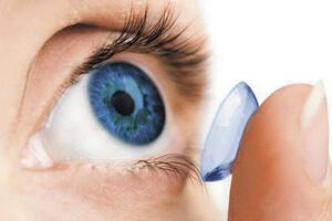 как правильно подобрать линзы для глаз, фото