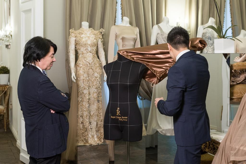 В. Юдашкин и манекены Royal Dress forms