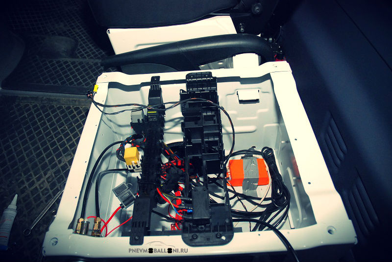 Mercedes Sprinter контроллер пневмоподвески