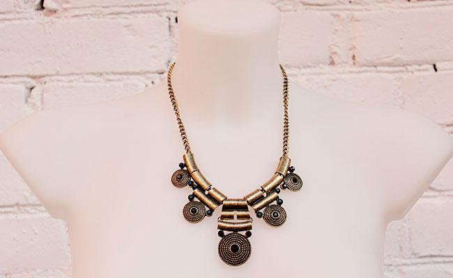 фото Женское этническое колье-цепь с черными кристаллами купить