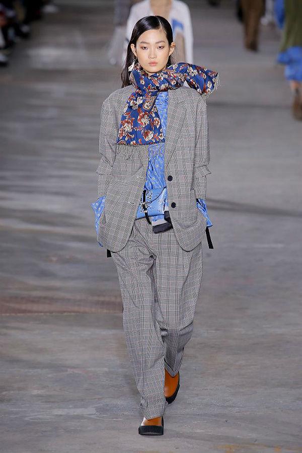 Стиль оверсайз - это преувеличенные детали одежды, рукава