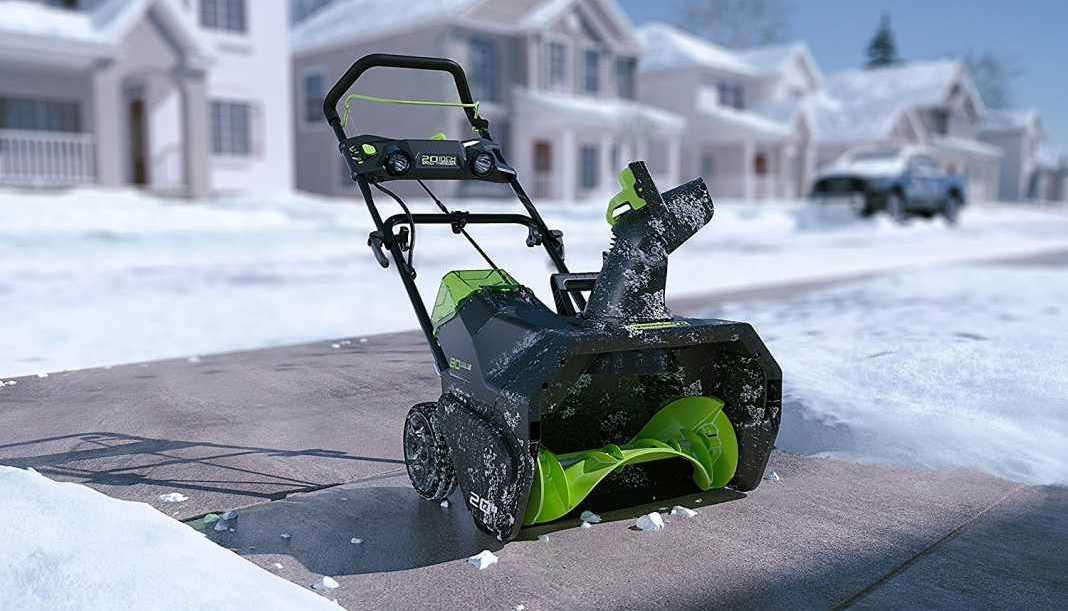 Основные параметры электрических снегоуборщиков Greenworks