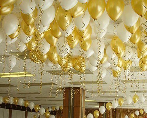 шары_под_потолок_белые_и_золотые.jpg