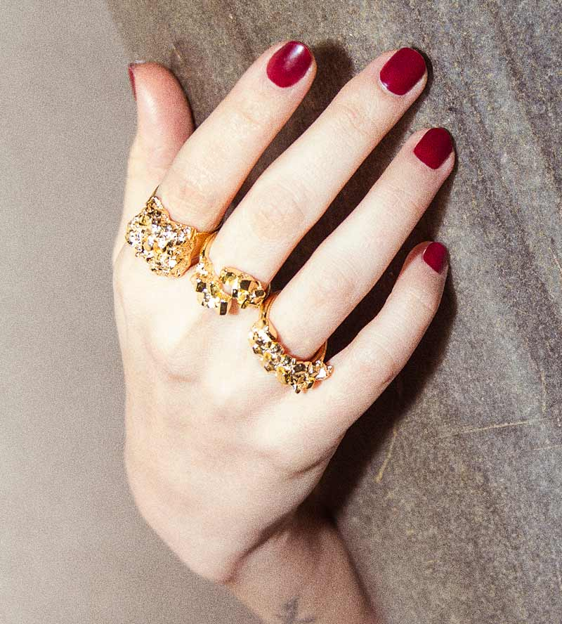 Золотое_кольцо_Crystalize_Square_от_Wilhelmina_Garcia.jpg
