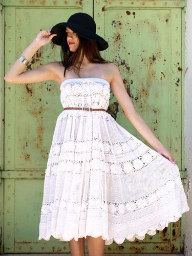 платье из кружев