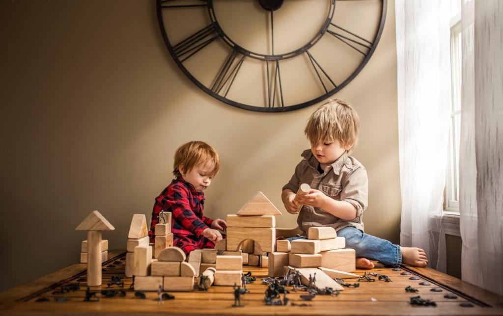 Почему не стоит покупать детям много игрушек?