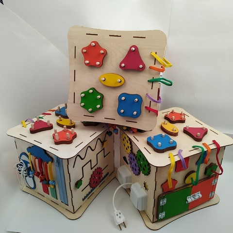 Развивающие игрушки из дерева для детей