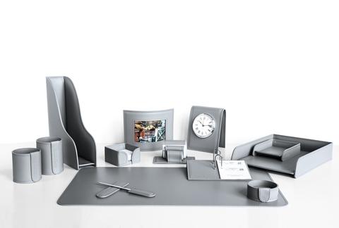Делаем рабочий стол функциональным с помощью настольного набора руководителя