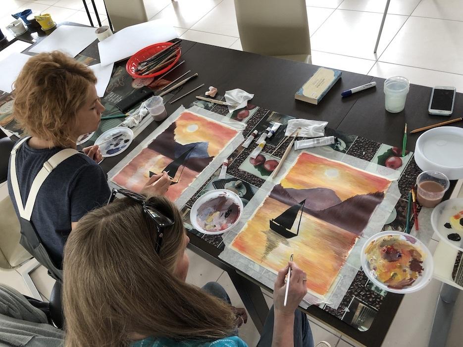 Уроки рисования для взрослых жителей «Романовского Парка»