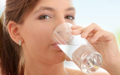 Можно ли пить дистиллированную воду?