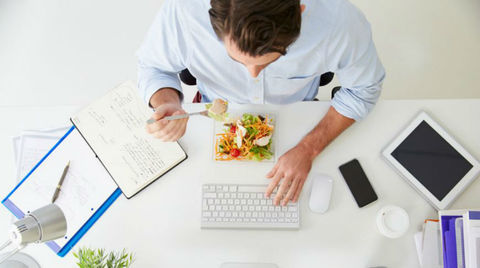 Питание в офисе VS Обед в кафе в 10 странах мира