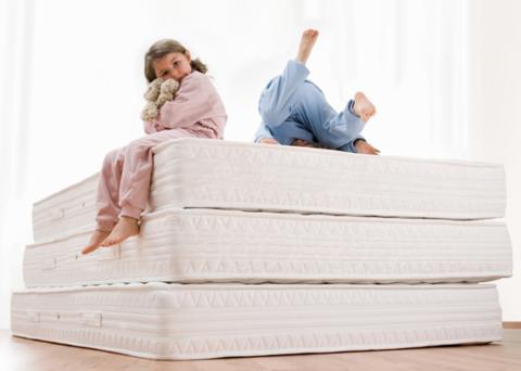 Инструкция по выбору матраса к детской кровати