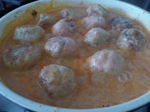 Тефтели из щуки в томатном соусе