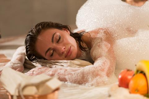 Мыльный массаж: удовольствие для искушенных