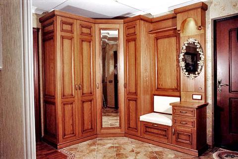 Какой шкаф лучше в прихожей