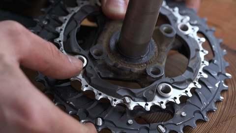 Ремонт велосипеда: Как заменить передние звёзды