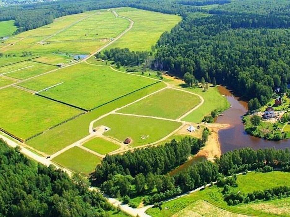Продажа земельного участка не является основанием для прекращения сервитута