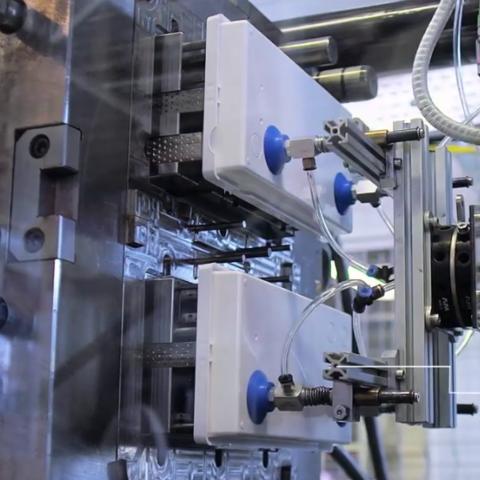 Новый ролик о производстве аварийного освещения TM Technologie