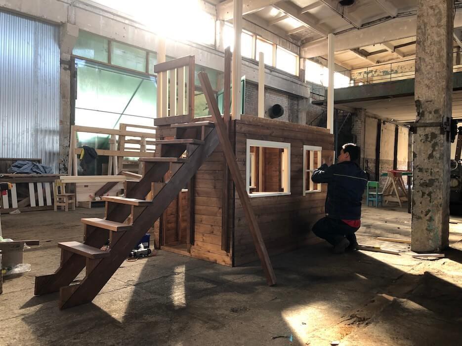 В Заокском районе запущено производство детских игровых комплексов