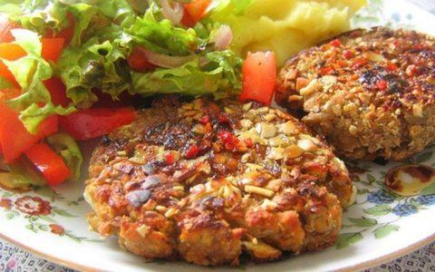Котлеты вегетарианские гречневые с овощами