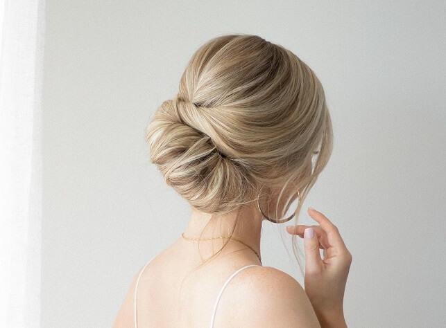 Как сделать красивую прическу для волос. Пошагово.