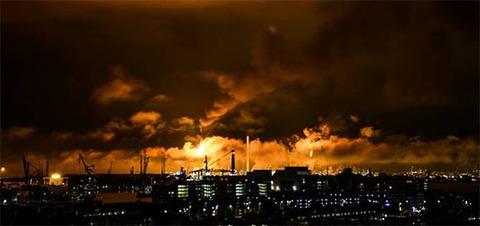 Shell остановила производство на нефтеперерабатывающем заводе Pernis в Нидерландах из-за пожара