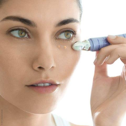 Как сохранять в тонусе уязвимую кожу контура глаз ежедневно, без сложных утомительных процедур?