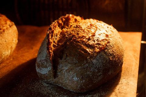 Гречневый хлеб с солодом и льном на закваске