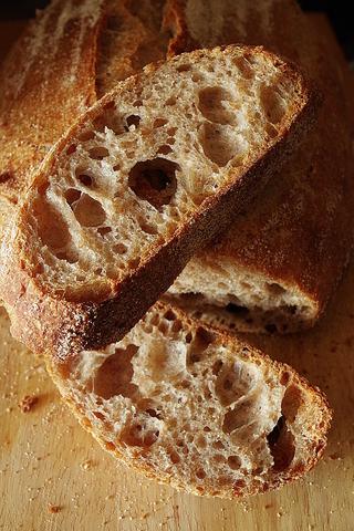 Простой и вкусный хлеб на закваске