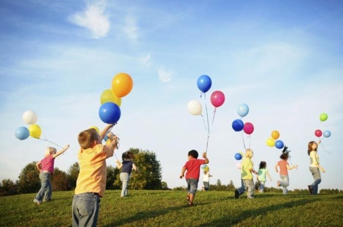 Почему дети любят воздушные шары?