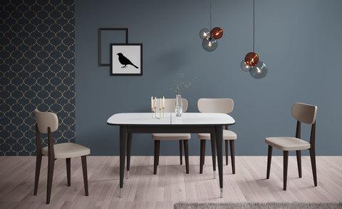 Жёсткие деревянные стулья