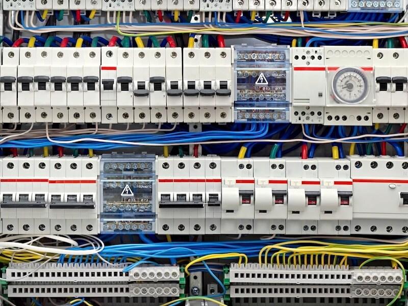 Обзор автоматических выключателей. Что такое автоматический выключатель