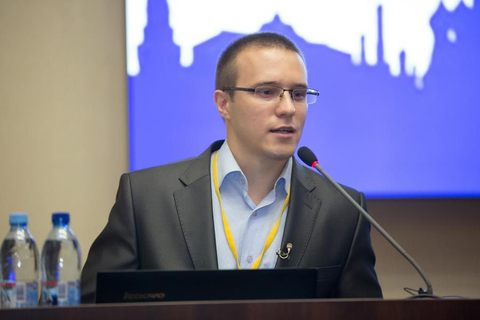 Дмитрий Горковский проведет мастер-класс по кинезио тейпированию для бегунов